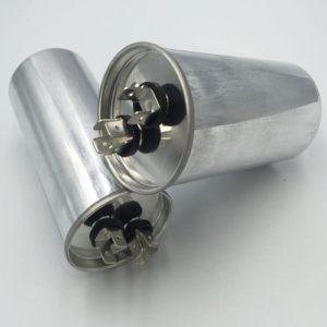 Пусковой конденсатор переменного тока CBB65 номинальной ёмкостью от 20 мкФ до 80 мкФ - 450 В.